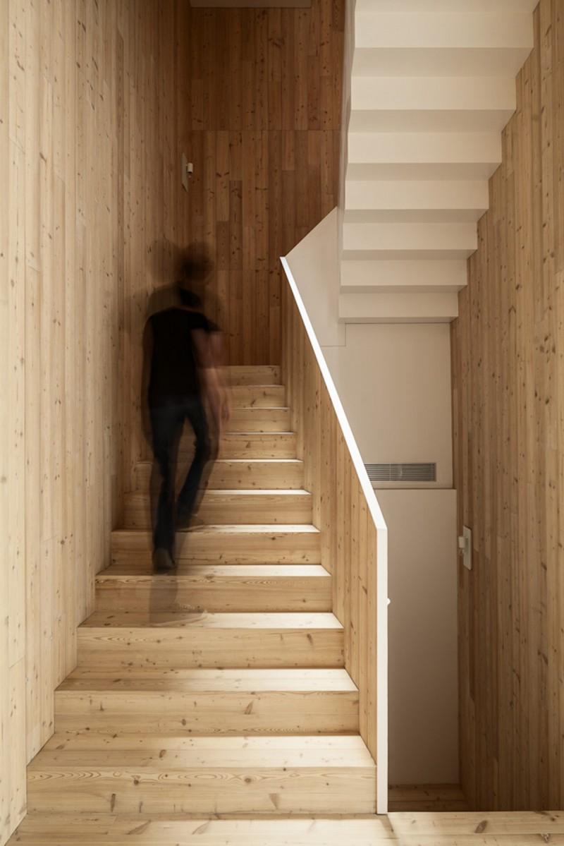 Dos viviendas en una casa casa 1014 por h arquitectes - Escaleras ramon moreno ...