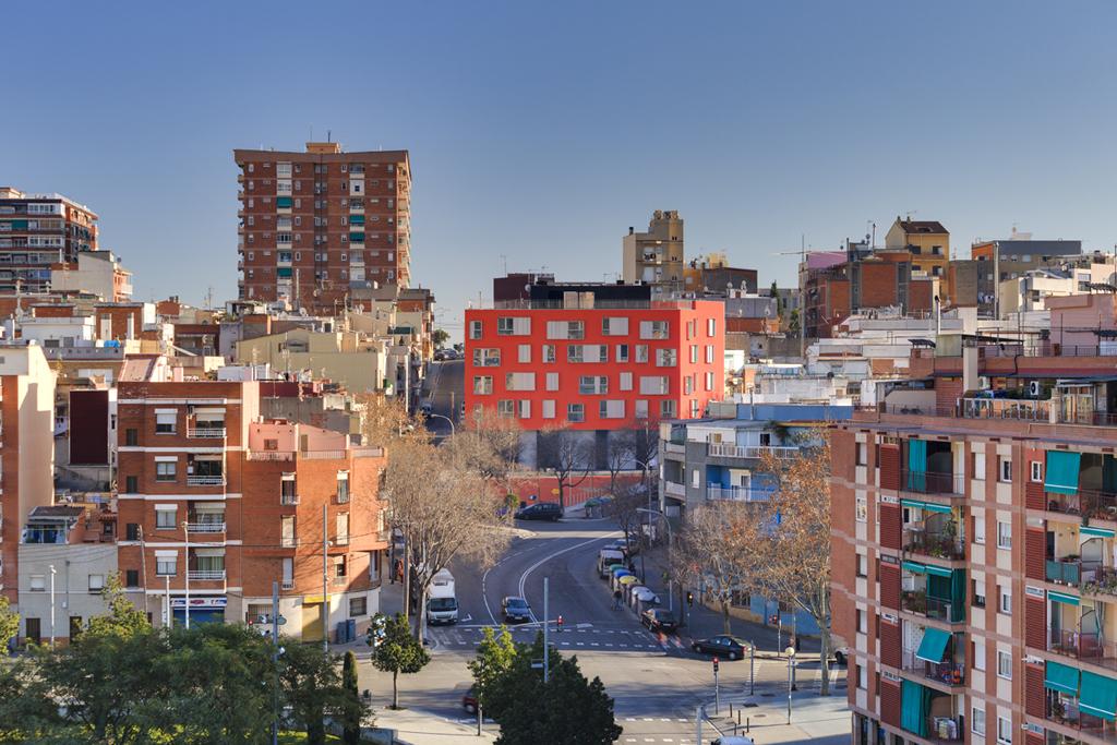 12 viviendas badalona metalocus - Tapiceros en badalona ...