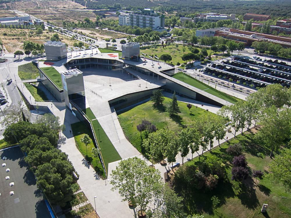 Edificio de servicios plaza mayor uam metalocus for Universidades de arquitectura en espana