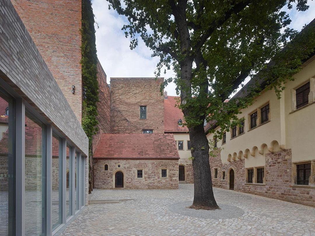 museum luthers sterbehaus by von m metalocus. Black Bedroom Furniture Sets. Home Design Ideas