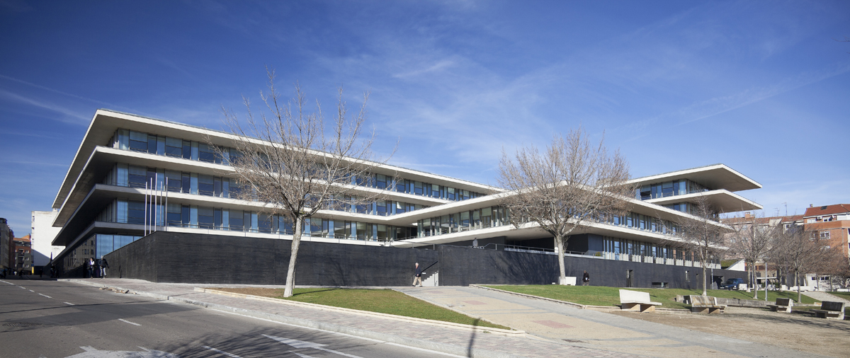 Administrative multifunctional building for regional - Arquitectos en salamanca ...