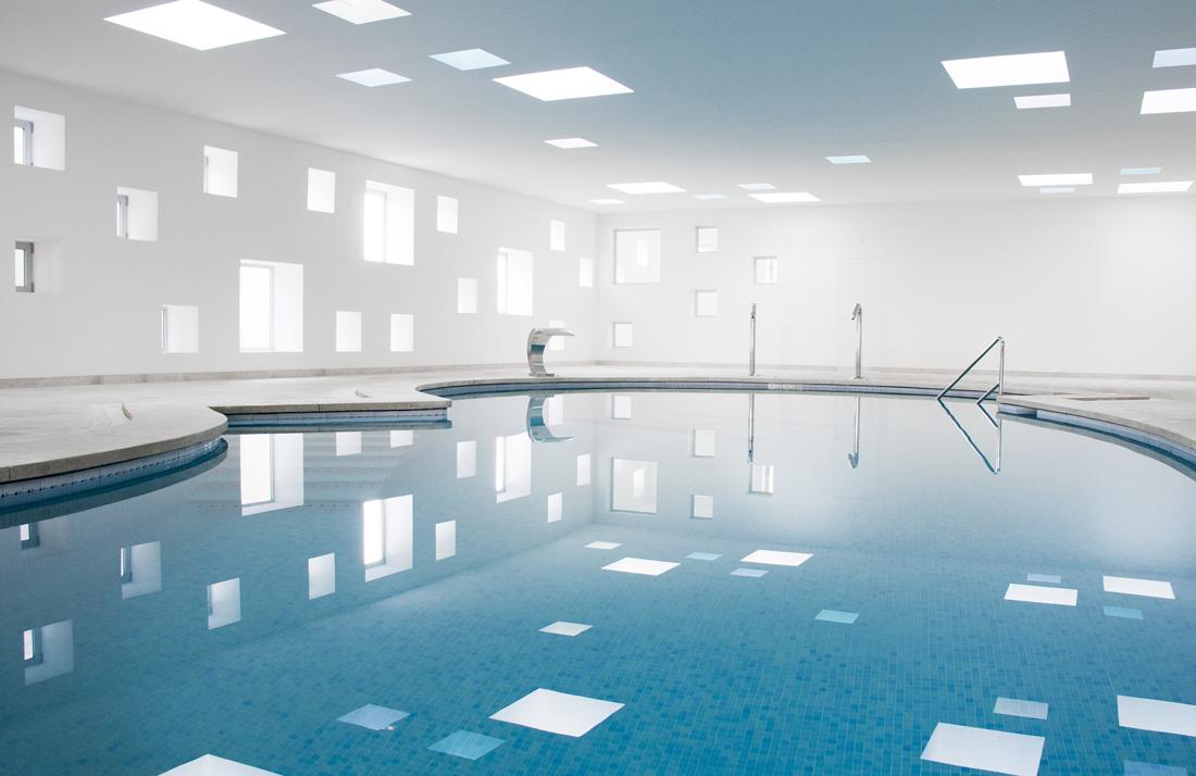 Piscina climatizada y spa en mallorca metalocus for Temperatura piscina climatizada