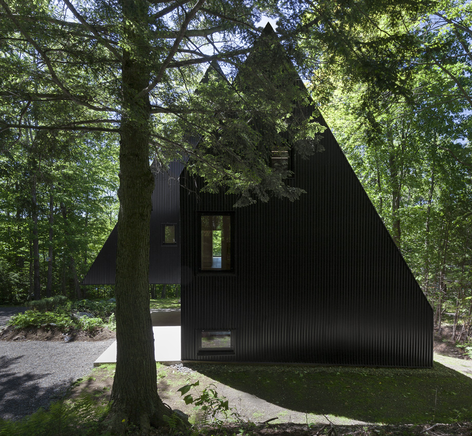 Enchanted Forest. FAHOUSE By Jean Verville Architecte