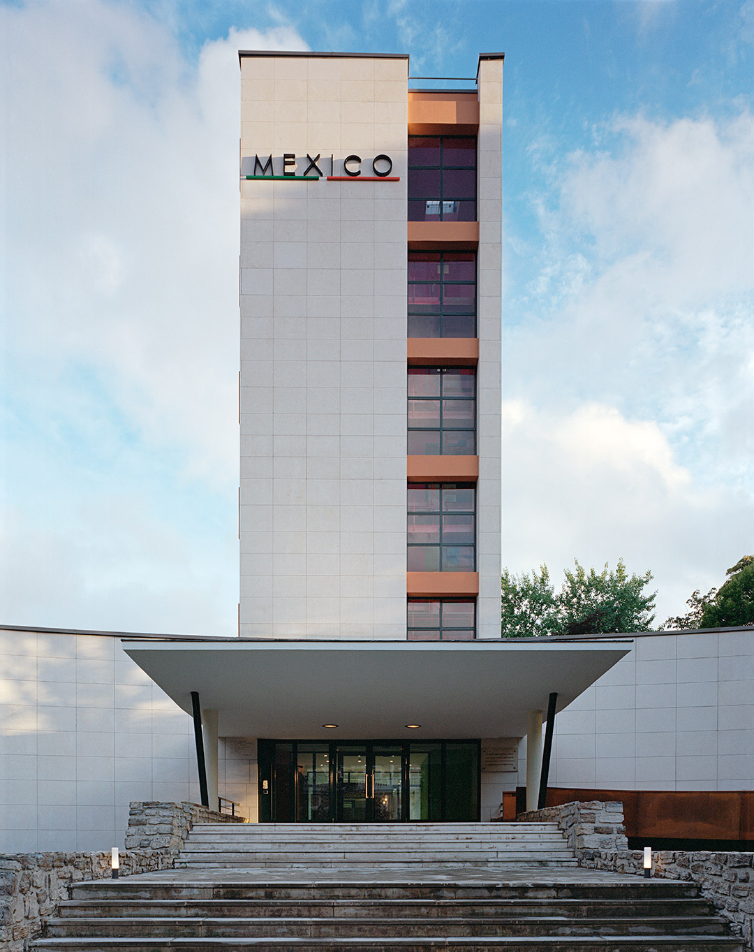 Muere teodoro gonz lez de le n maestro de la arquitectura for La maison du mexique