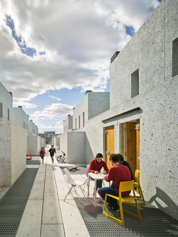 32 viviendas de protecci n oficial en san vicente del raspeig metalocus. Black Bedroom Furniture Sets. Home Design Ideas