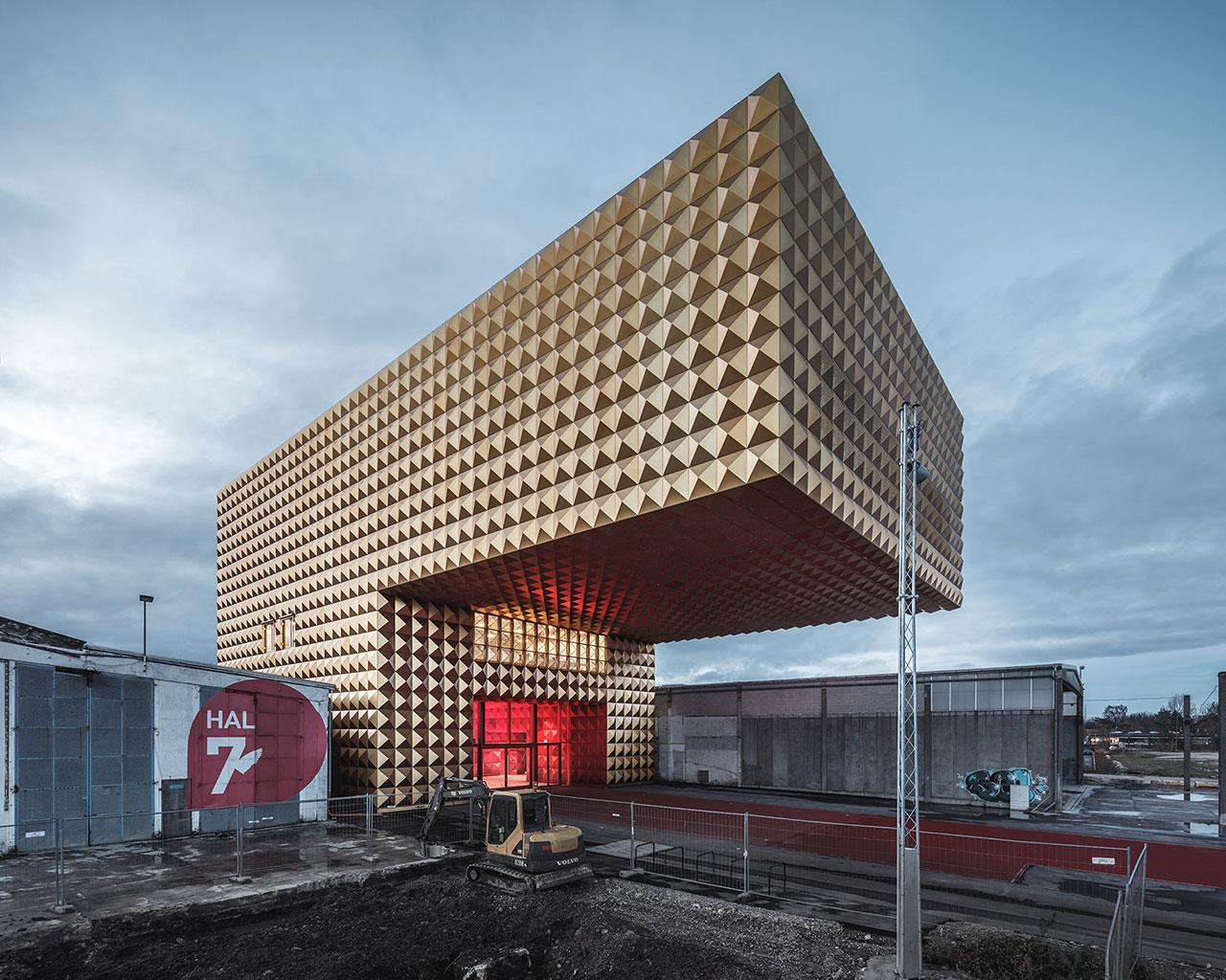 Maas Building Cost
