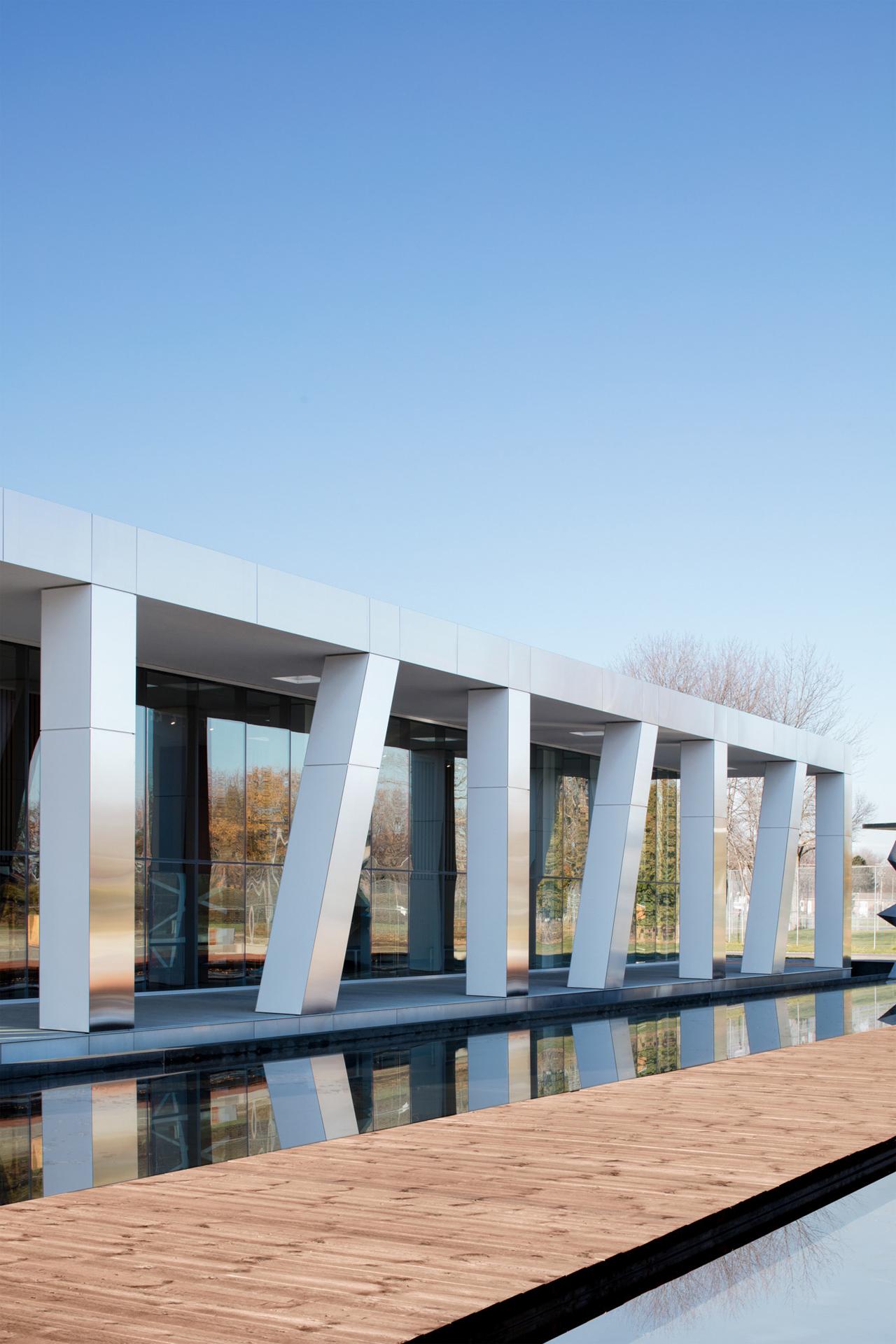 Centro de arte diane dufresne por acdf architecture for Acdf architecture