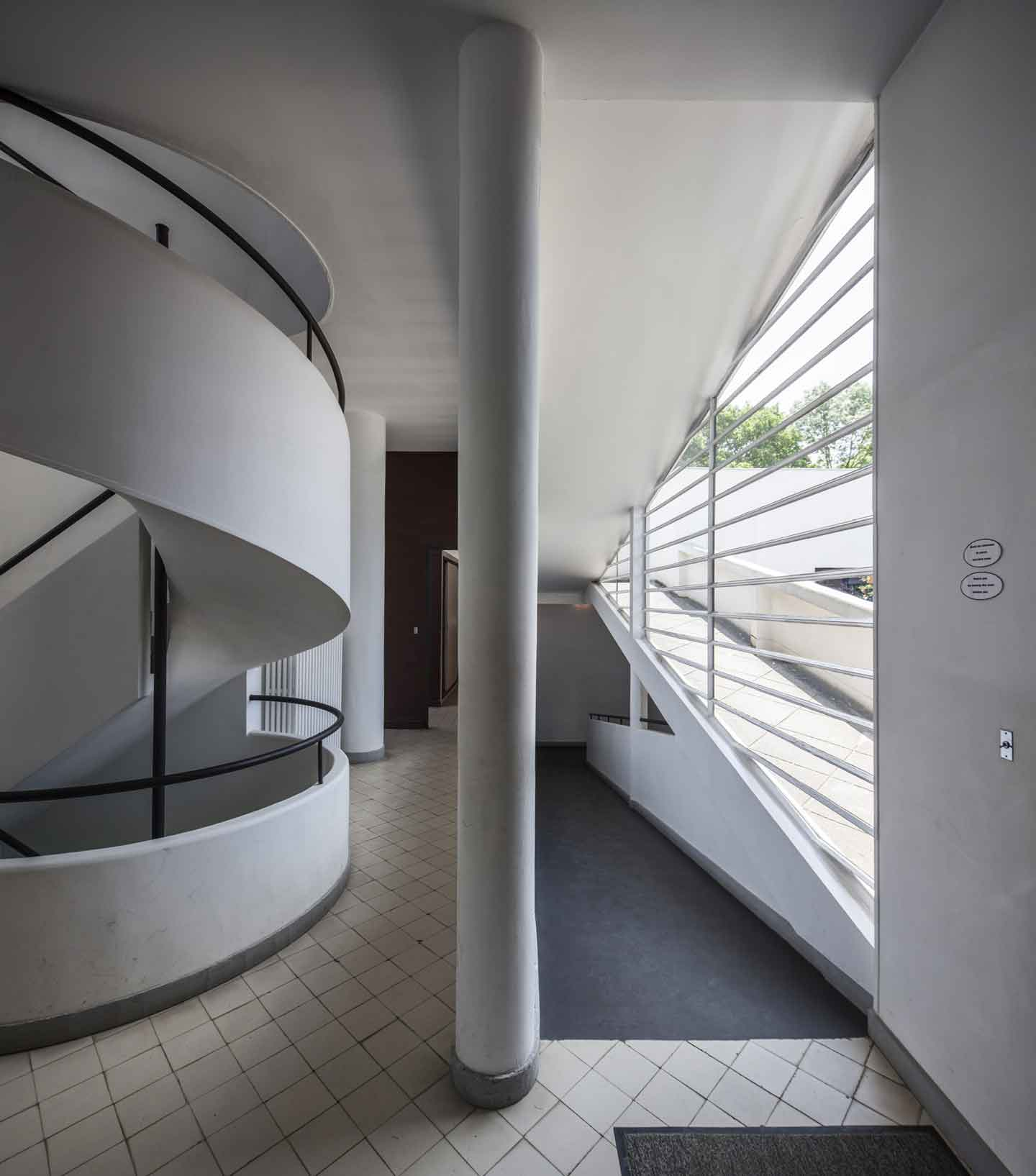 le corbusier villa savoye Completed in 1929 in poissy, france situated in poissy, a small commune outside of paris, is one of the most significant contributions to modern architecture in the 20th century, villa.