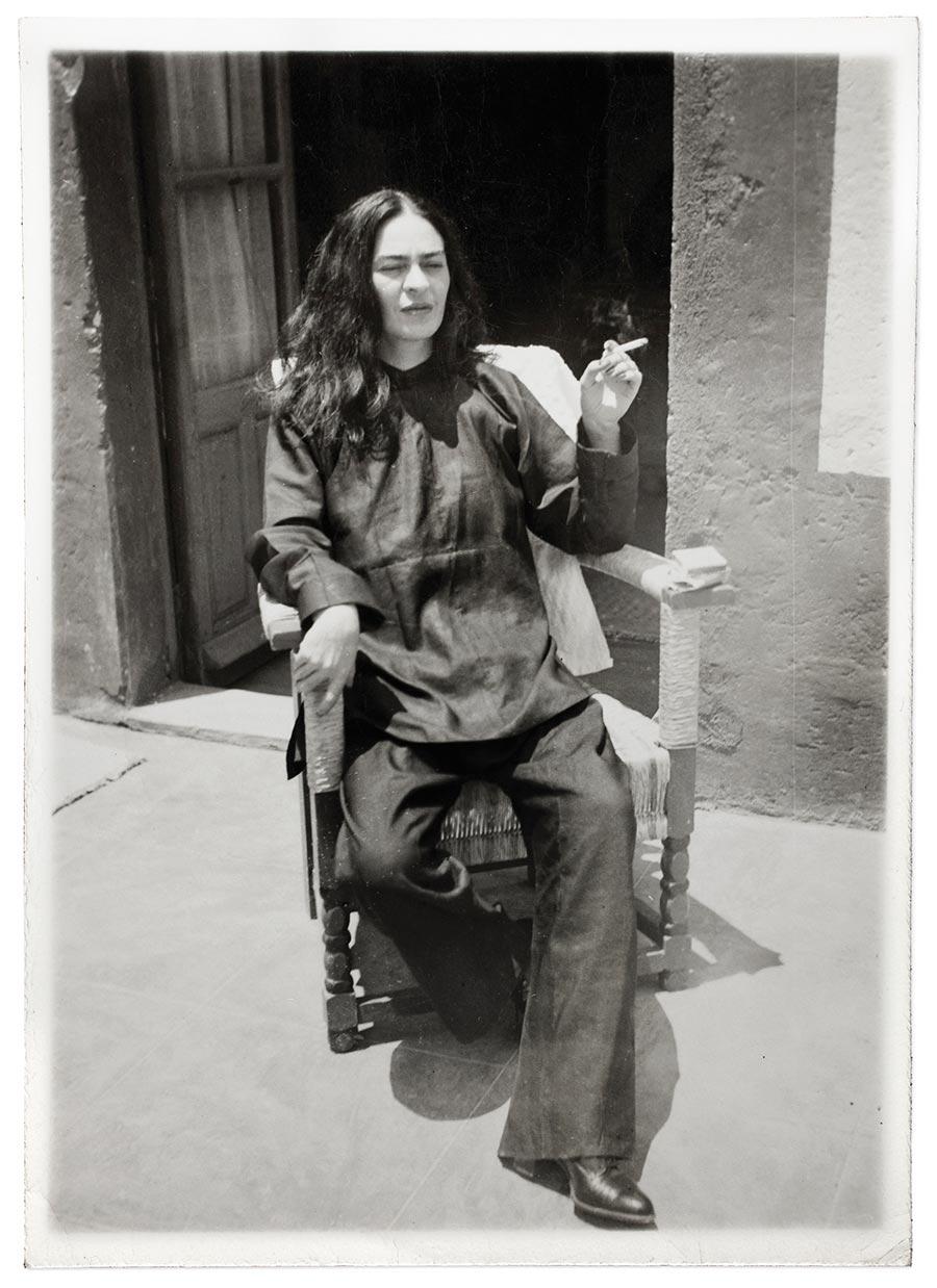 Frida kahlo sus fotograf as metalocus for Cuartos decorados de frida kahlo