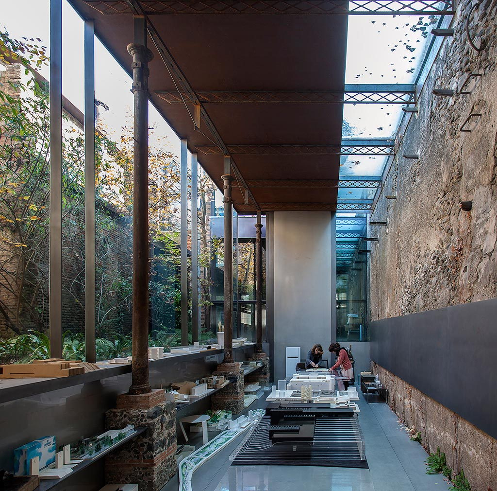 Rcr arquitectes gold medal of the academy of architecture for Architecture fr