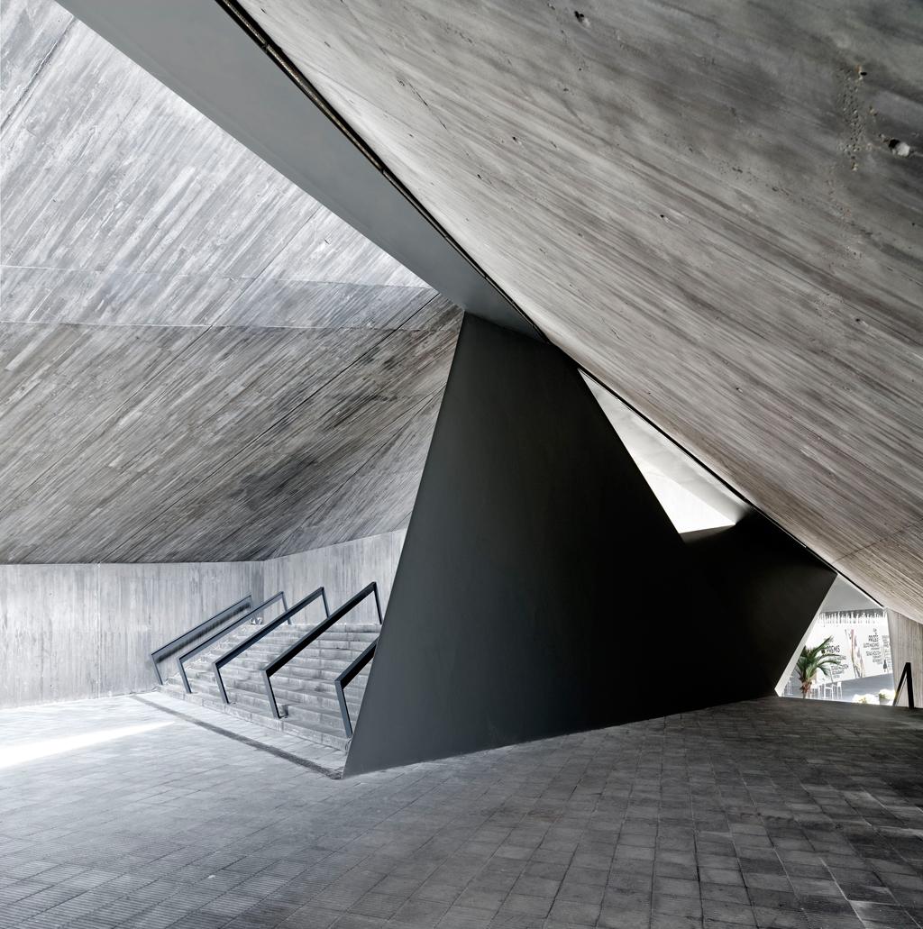 Adri goula 10 fot grafos espa oles de arquitectura - Trabajo arquitecto barcelona ...
