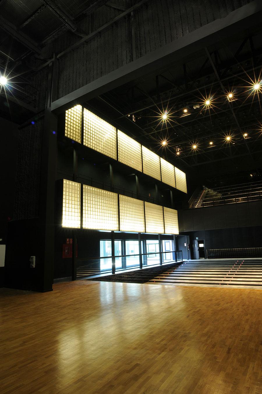 auditorio de massanassa por g mez lvarez arquitectes metalocus. Black Bedroom Furniture Sets. Home Design Ideas