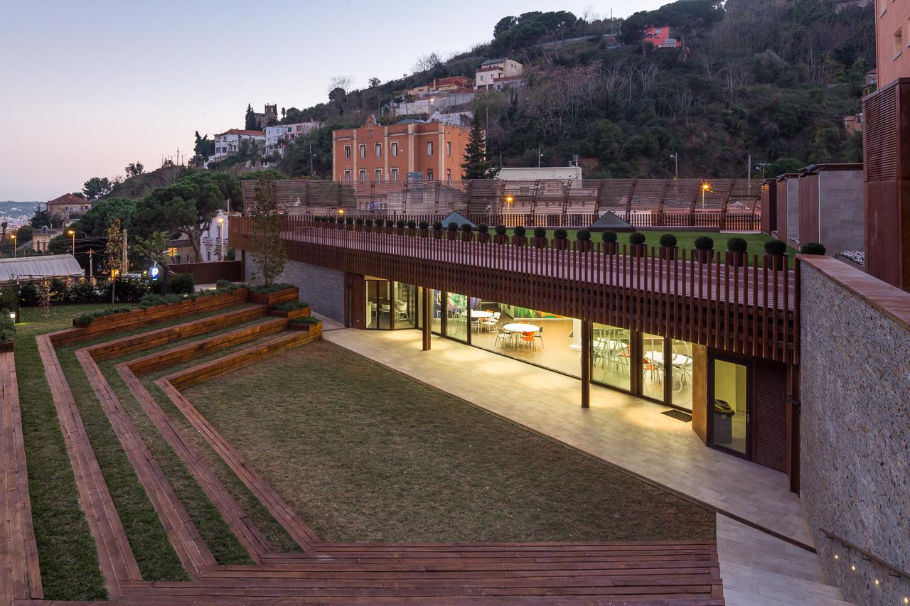 Renovation and extension of montserrat school metalocus - Colegio delineantes barcelona ...