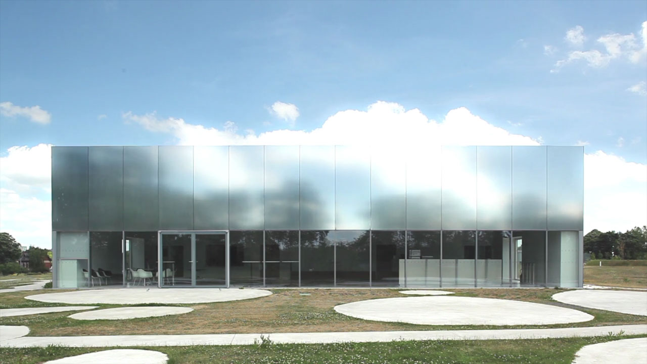 Video louvre lens by sanaa metalocus for Louvre lens museo