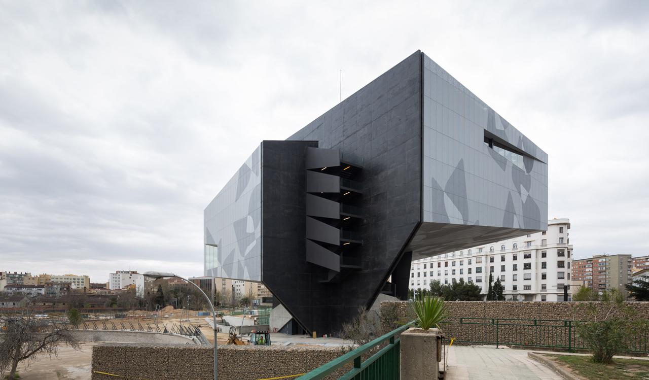 Inaugurado el museo auditorio y centro cultural for Oficinas la caixa zaragoza