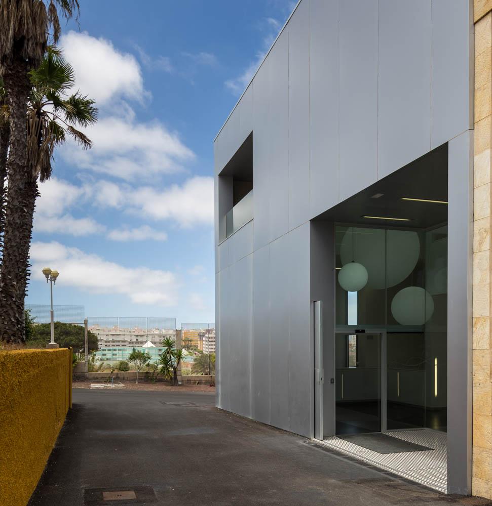 Edificio incube por romera y ruiz arquitectos metalocus - Garcia ruiz arquitectos ...