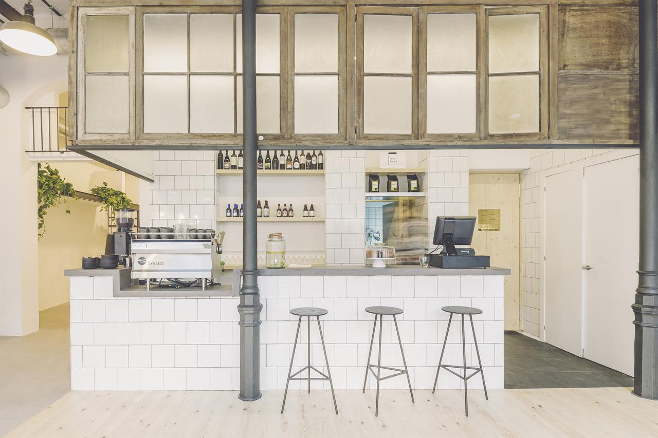 Reform and interior design by Laboqueria and Marta Peinado Alós ...