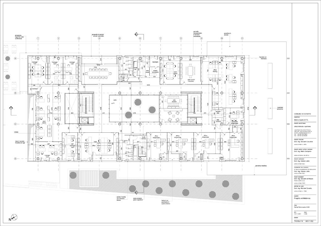 Casillo headquarters metalocus for Planos de oficinas administrativas