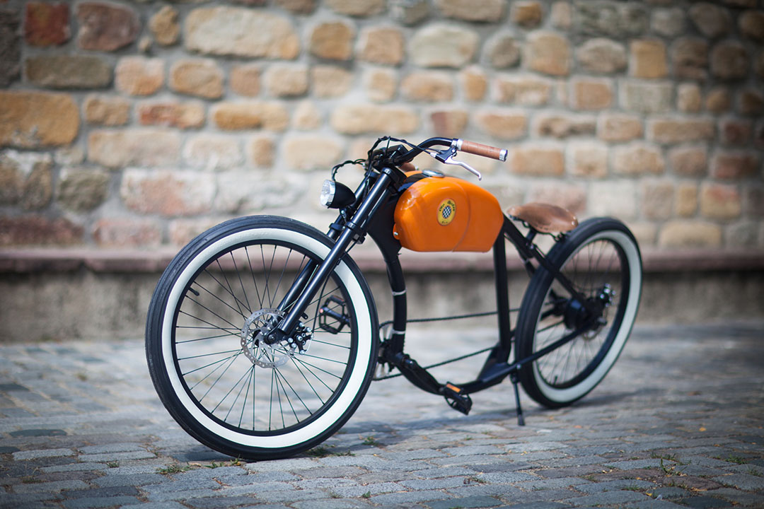 otocycles electric bikes retro style metalocus. Black Bedroom Furniture Sets. Home Design Ideas