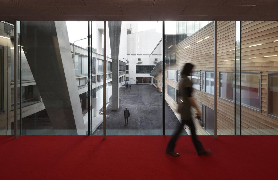 catholic singles in maximo È la fotografia del centro commerciale maximo di roma, nato con un  investimento di 300 milioni di euro e sviluppato da parsec 6 spa,.