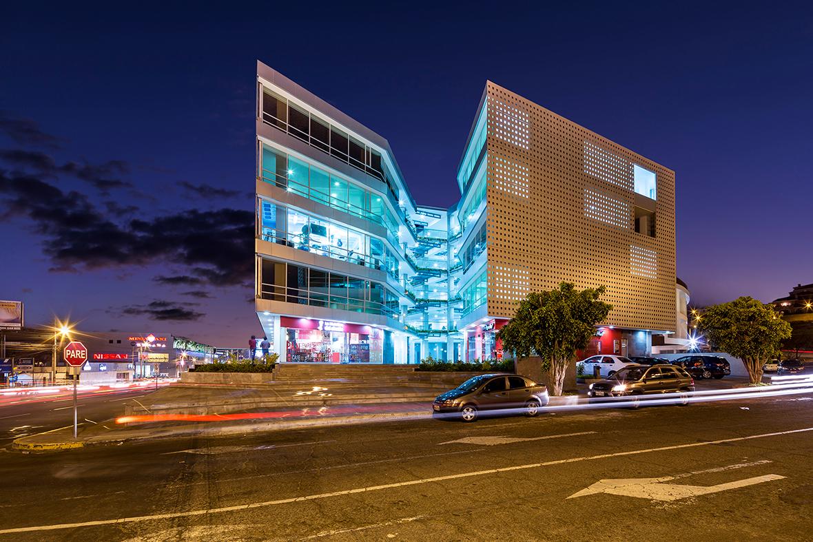 Edificio Halcón por TEC Taller EC. Fotografía © Sebastián Crespo