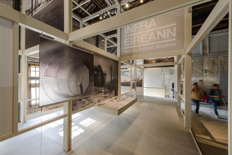 IRLANDA. Infra-Éireann: Haciendo Irlanda Moderna. Fotografía © Andrea Avezzù. Cortesía de la Biennale di Venezia
