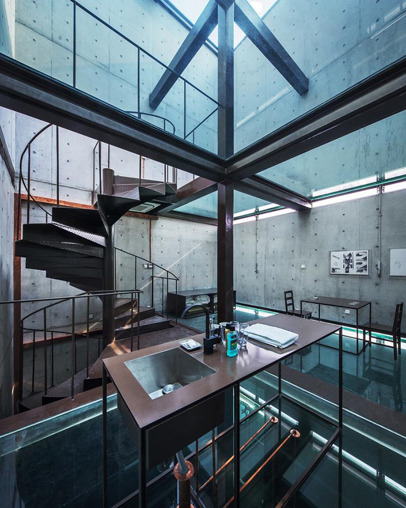 Casa vertical de cristal por Yung Ho Chang