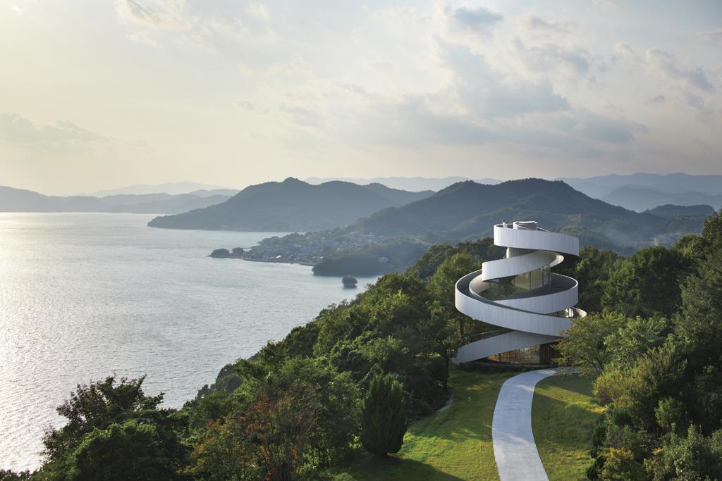 Capilla Ribbon por Hiroshi Nakamura y NAP Architects. Fotografía © Koji Fujii / Nacasa & Partners Inc