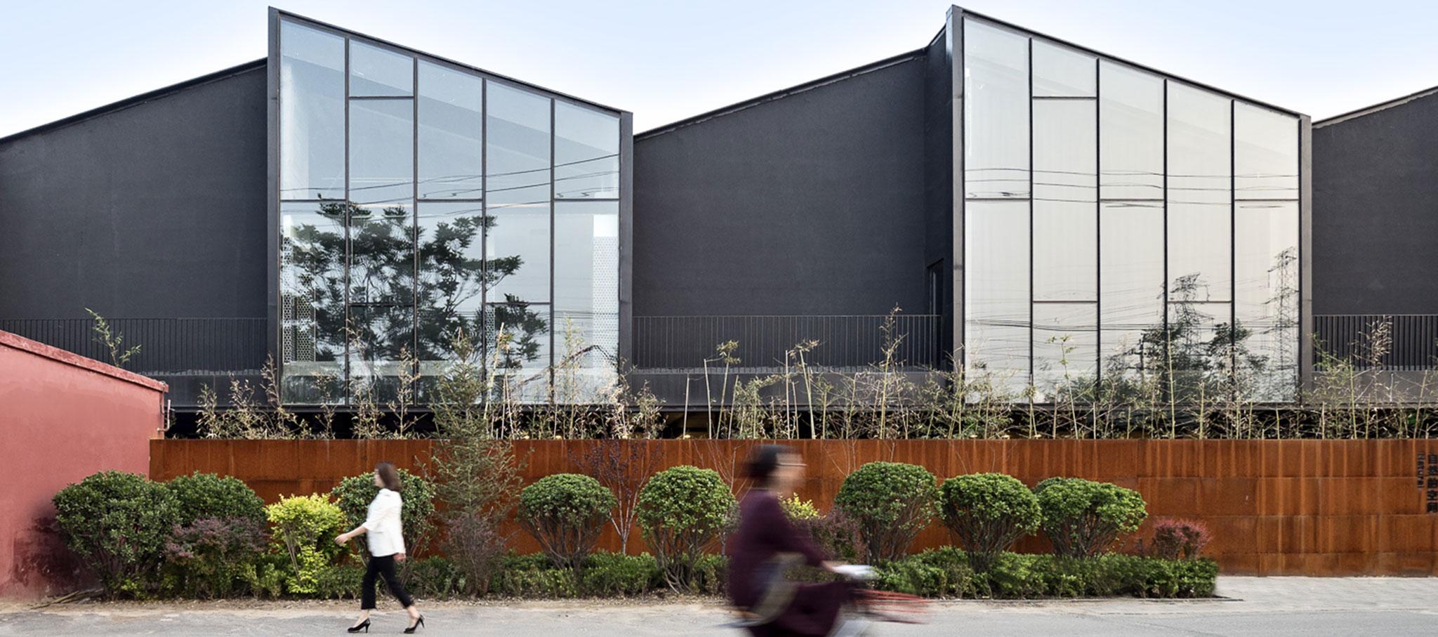 MeePark CBD, la conversión de un almacén industrial en un lugar para eventos por Latitude Architectural Group. Fotografía por Héctor Peinador