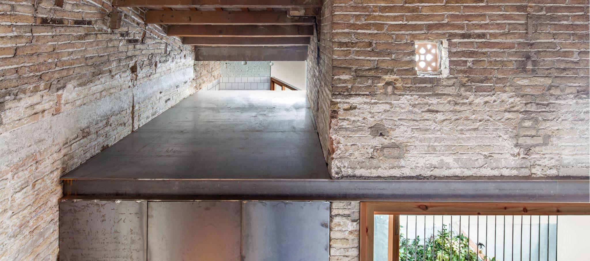 Tubella house by ÁGORA Arquitectura. Photograph by Joan Casalspañella