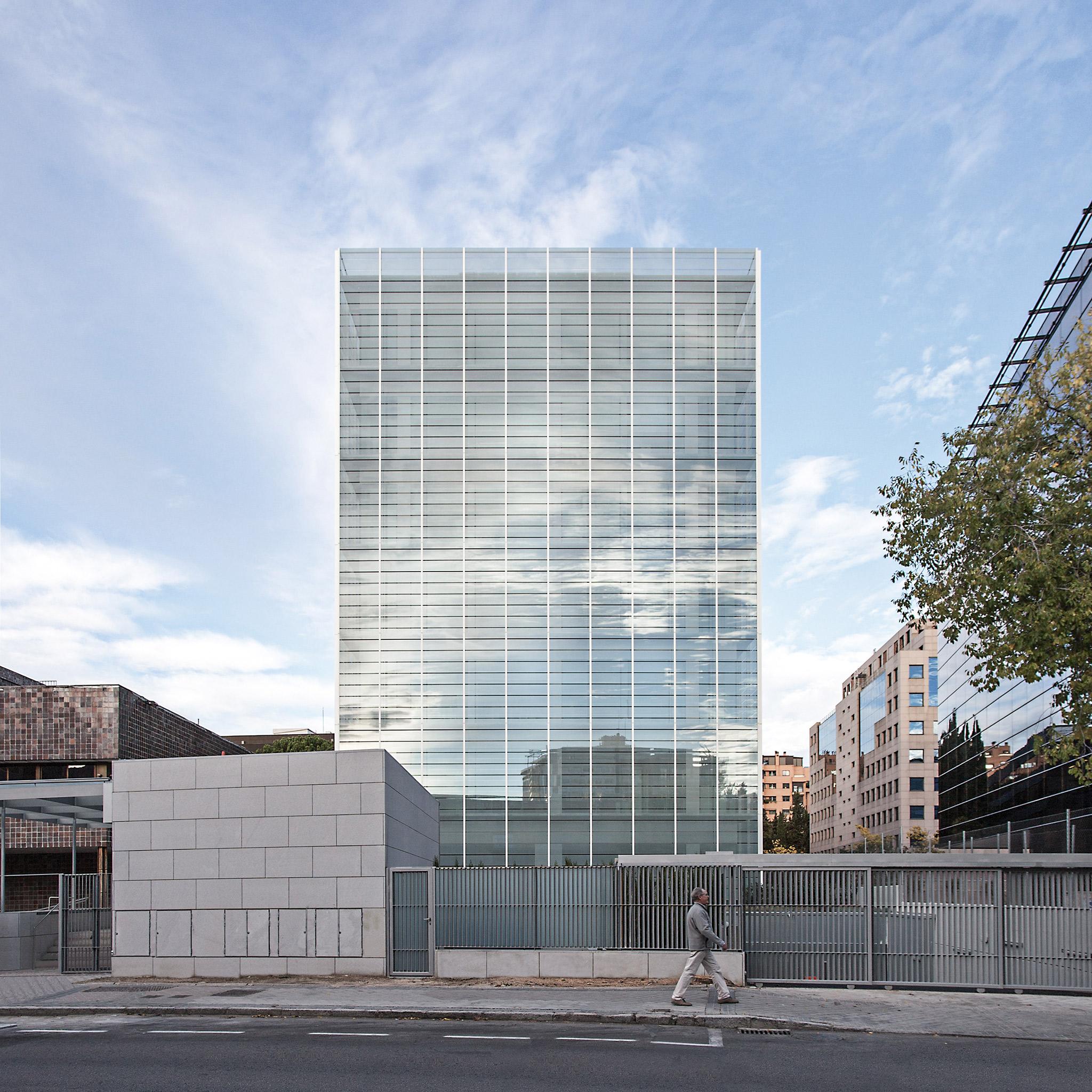 Edificio oficinas para la direcci n general de patrimonio for Edificios oficinas madrid
