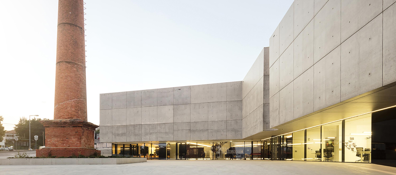 CAA – Centro de las Artes de Agueda por AND-RÉ. Fotografía por Fernando Guerra. FG+SG