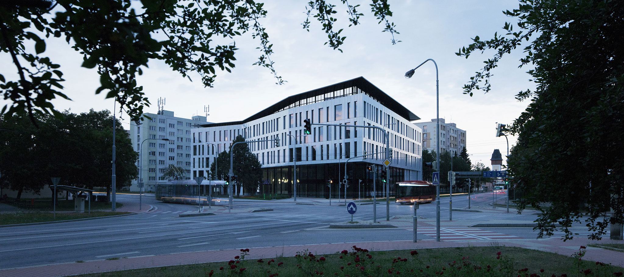 Centro de oficinas PIANO, por CMC architects. Fotografía © BoysPlayNice