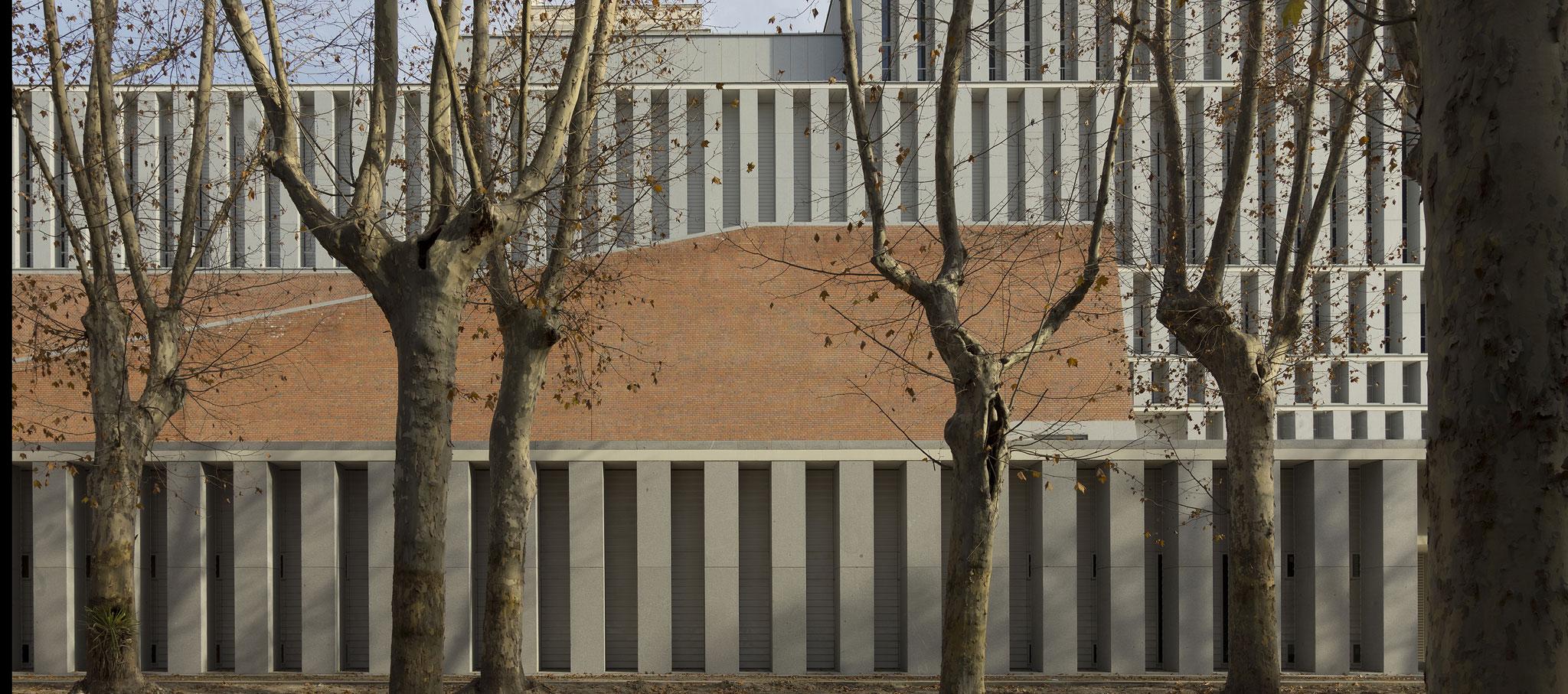 Fachada. Museo de las Colecciones Reales por Emilio Tuñón Álvarez y Luis Moreno García-Mansilla. Fotografía © Luis Asin.