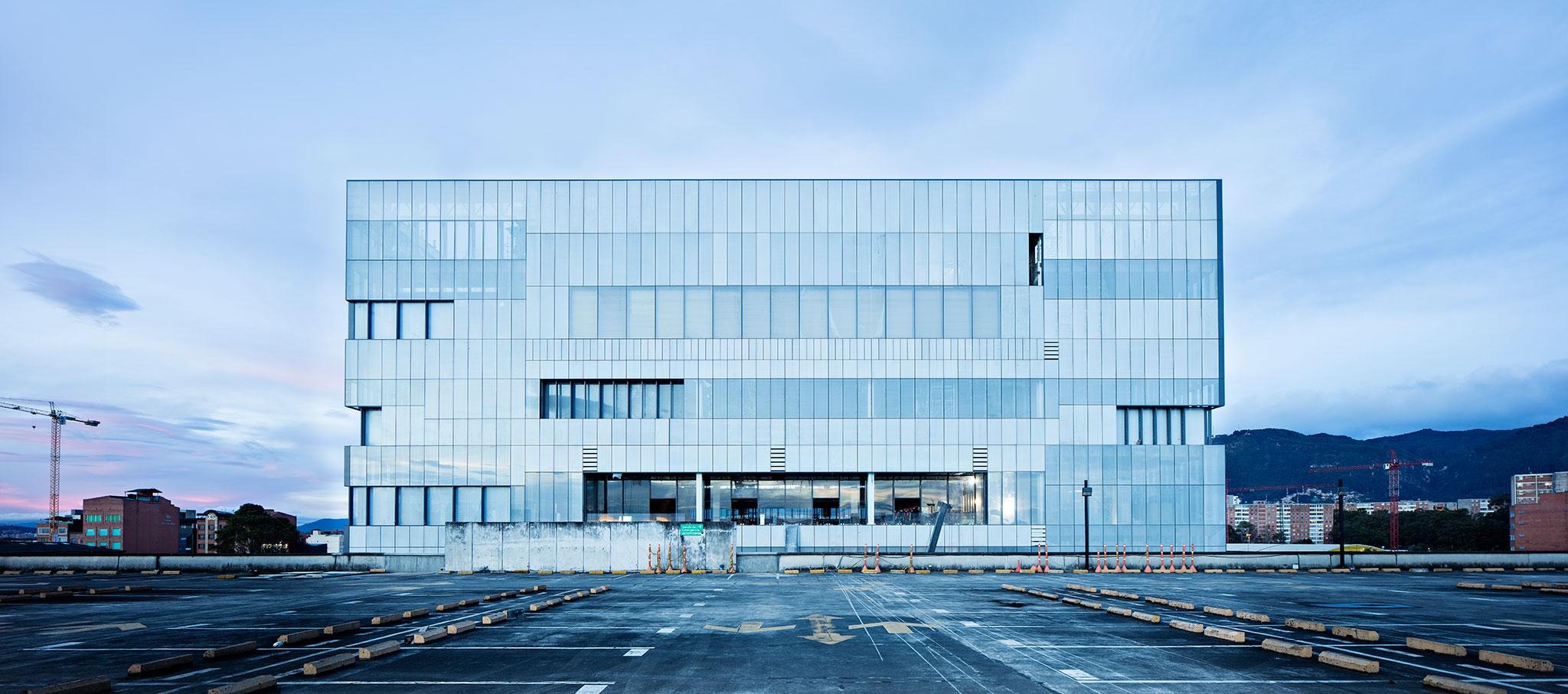 Inauguración, el centro de eventos Ágora-Bogotá por Bemúdez Arquitectos y Estudio Herreros. Fotografía © Javier Callejas