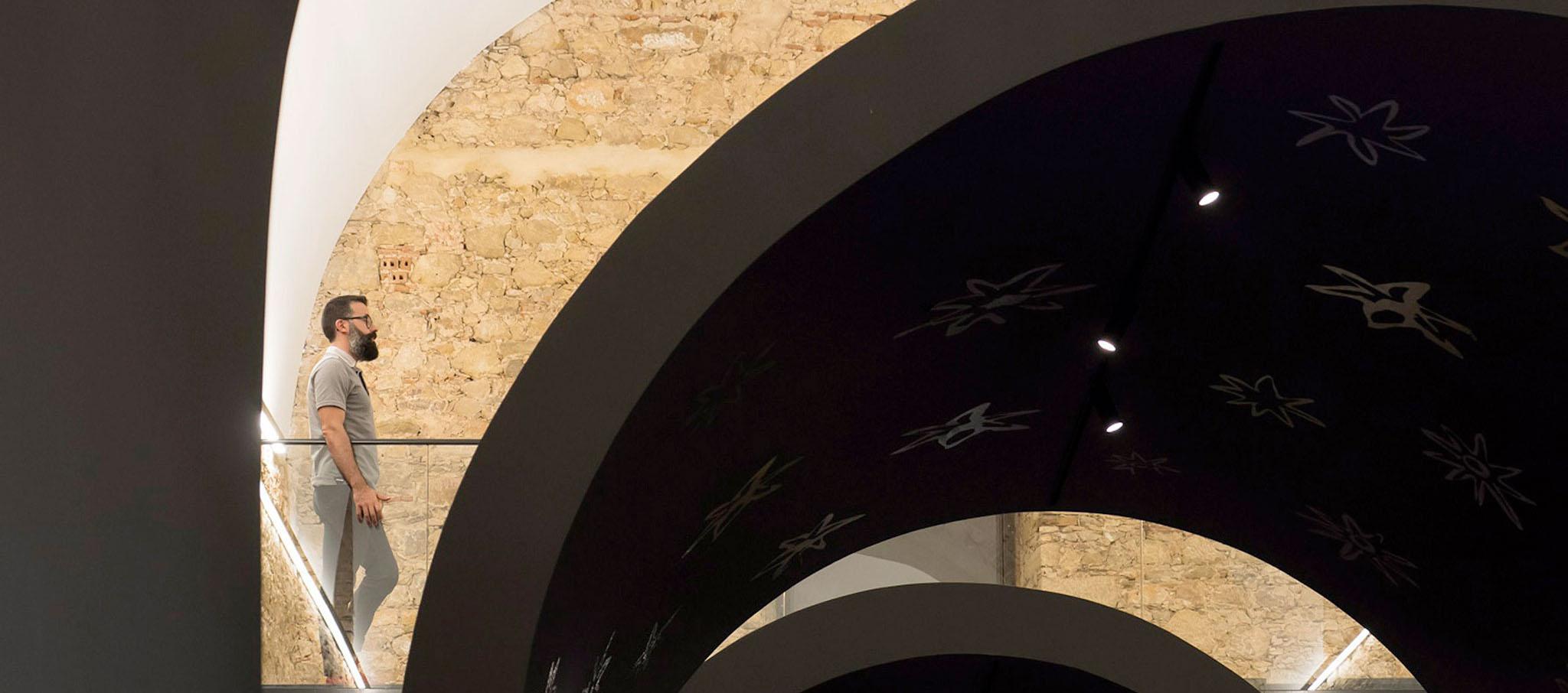 Una instalación para conmemorar el aniversario de Damião de Gois, filósofo portugués, por Spaceworkers. Fotografía © Fernando Guerra   FG+SG