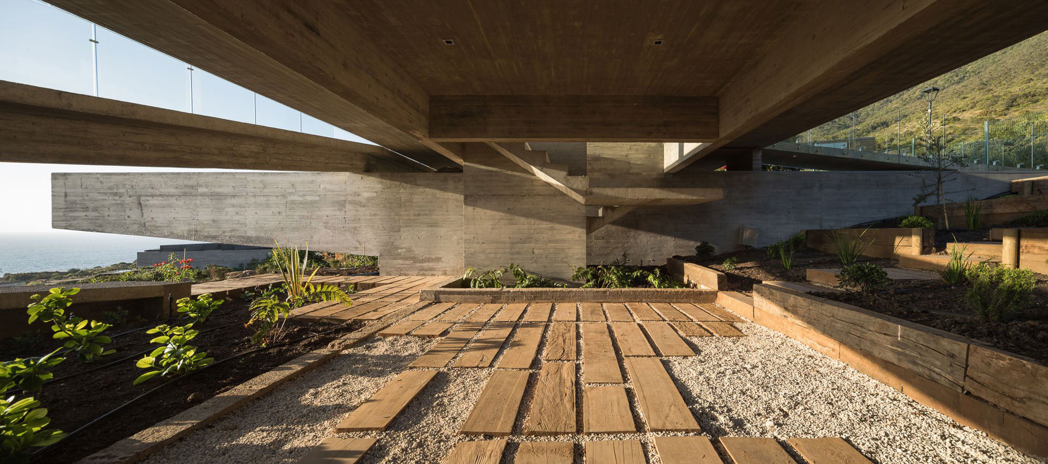 H house by Felipe Assadi Arquitectos. Photograph by Fernando Alda