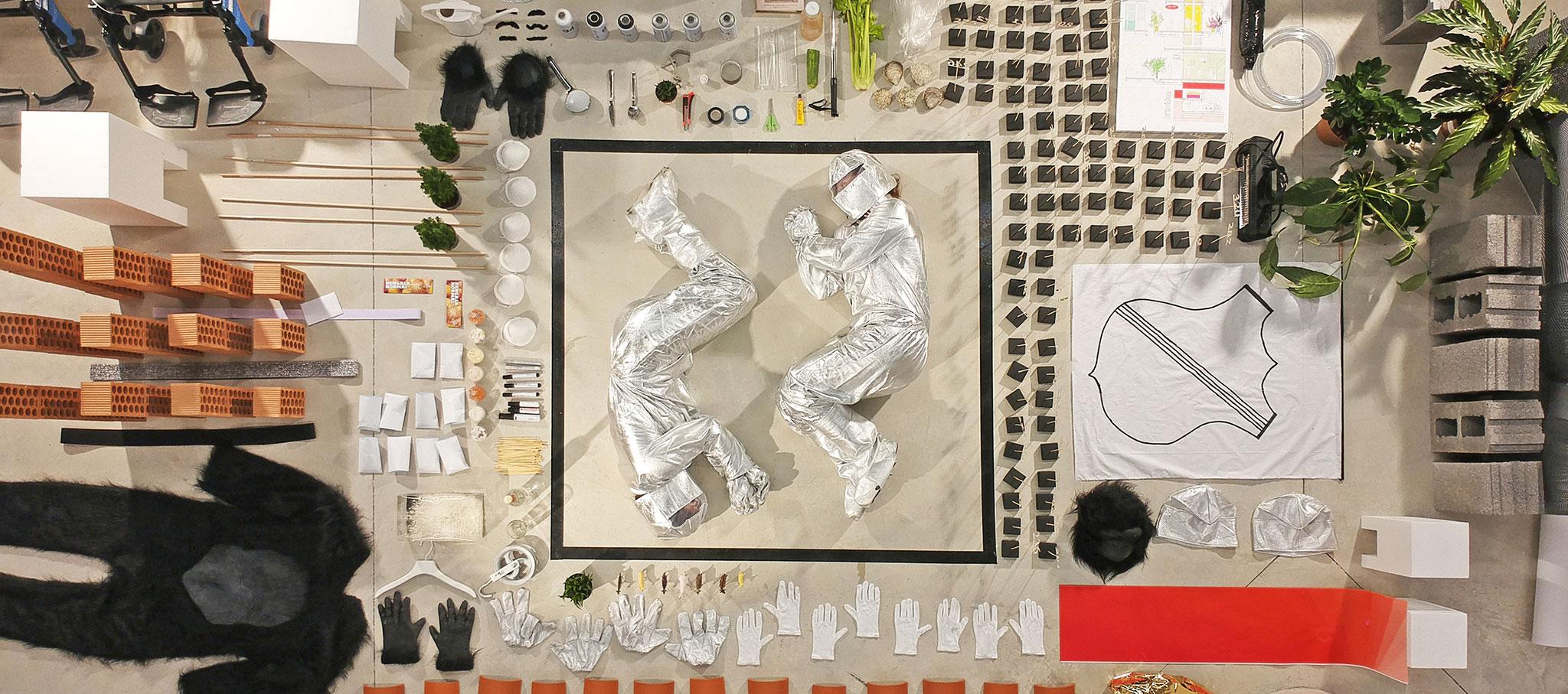 Teaser dron. A Fine Line: Scenarios for bordering conditions en la I Bienal Internacional de Arquitectura de Euskadi MUGAK. Imagen cortesía de A Fine Line BIASS'17