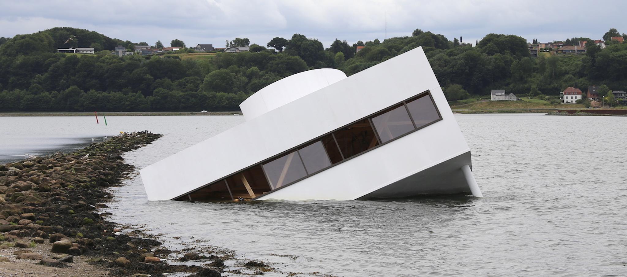Las modernidad inundada por Asmund Havsteen-Mikkelsen. Fotografía Kenneth Stjernegaard