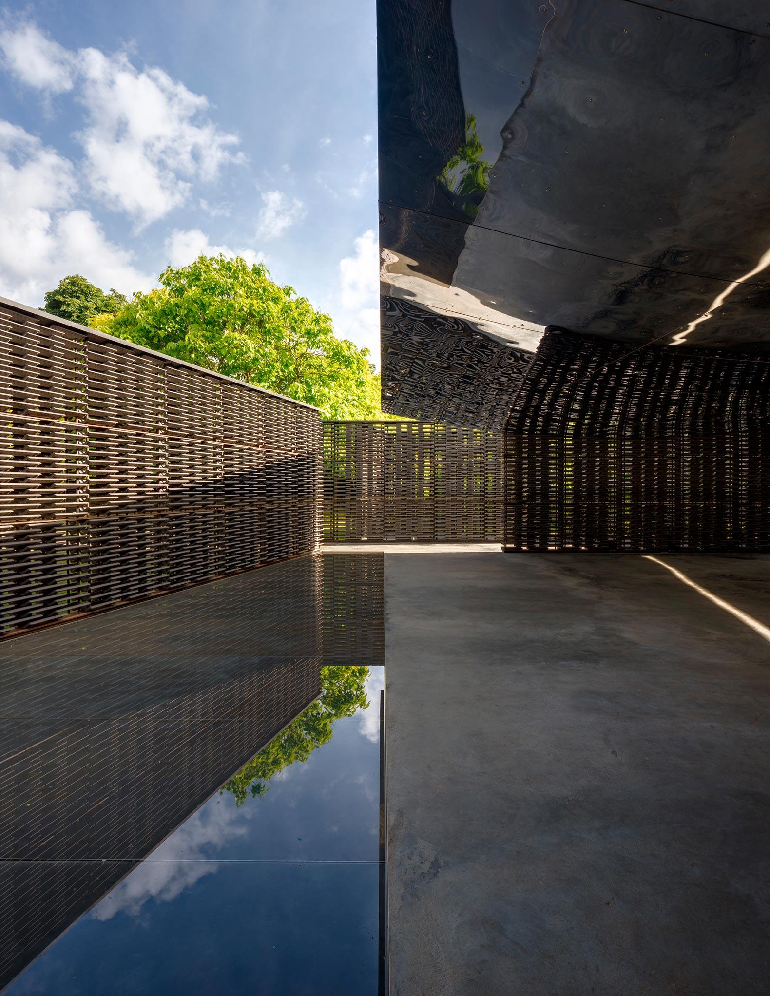Pabellón de la Serpentine 2018, diseñado por Frida Escobedo, Serpentine Gallery, Londres (15 Junio – 7 Octubre 2018) © Frida Escobedo, Taller de Arquitectura, Fotografía © 2018 Rafael Gamo