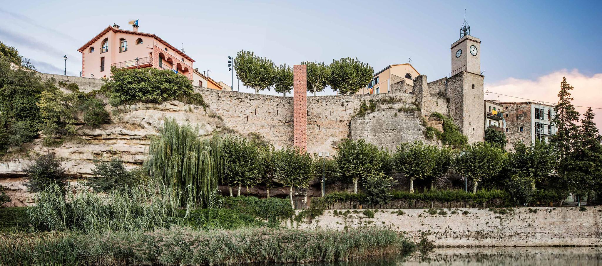 Nuevo acceso al centro histórico de Gironella por Carles Enrich. Fotografía © Adrià Goula