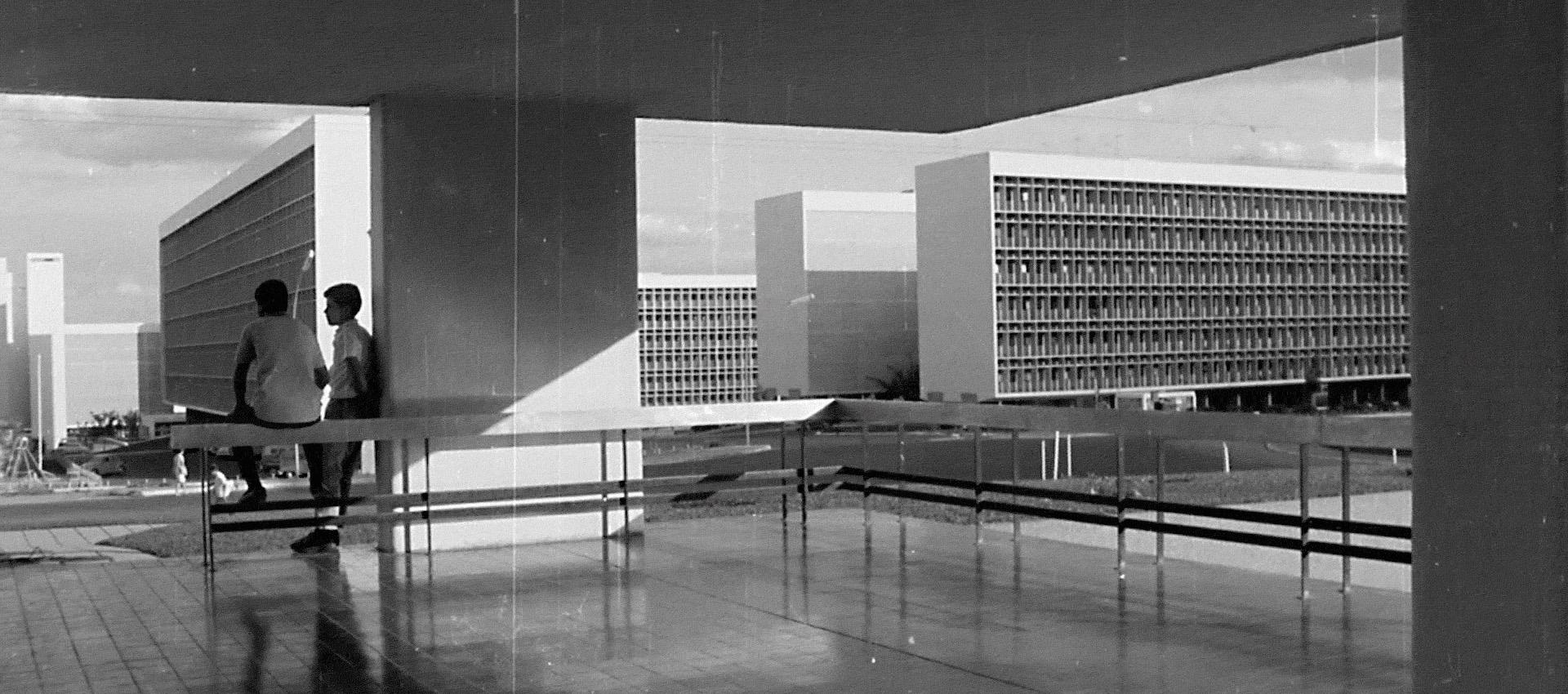Infinito Vão - 90 Years of Brazilian Architecture. Courtesy Casa da Arquitectura