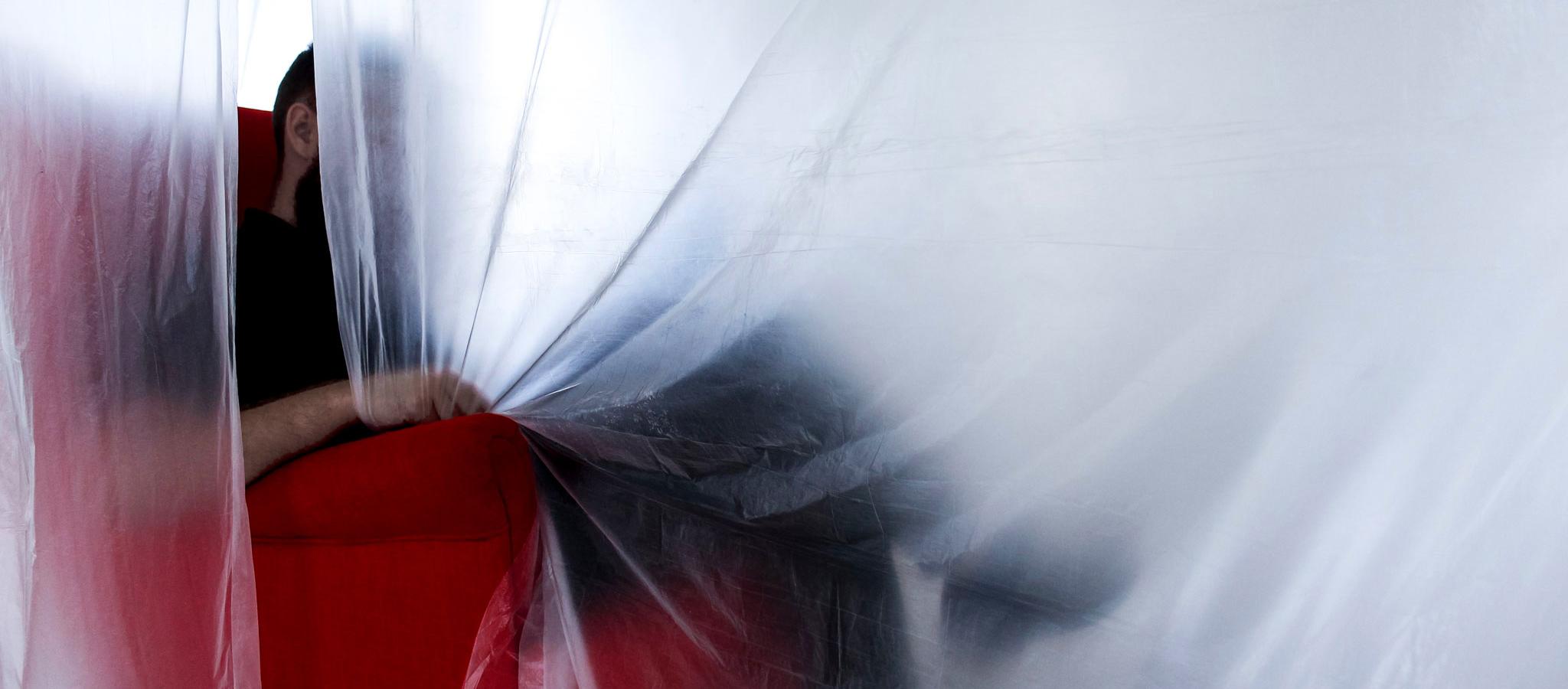 DOMESTICAR, la primera puesta en escena estética del grupo Espacio Interrogante [?]. Fotografía por Judit Otero / METALOCUS