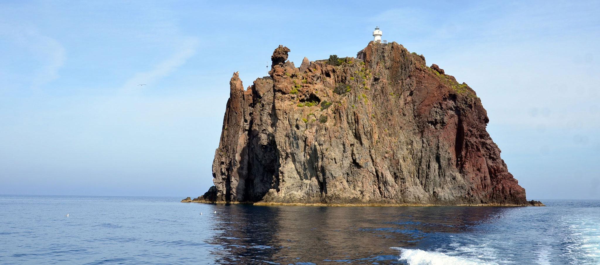 Islas. Islas, Desierto, Montaña: ARQUITECTURA GRADO CERO. Imagen cortesía de Josep Lluís Mateo