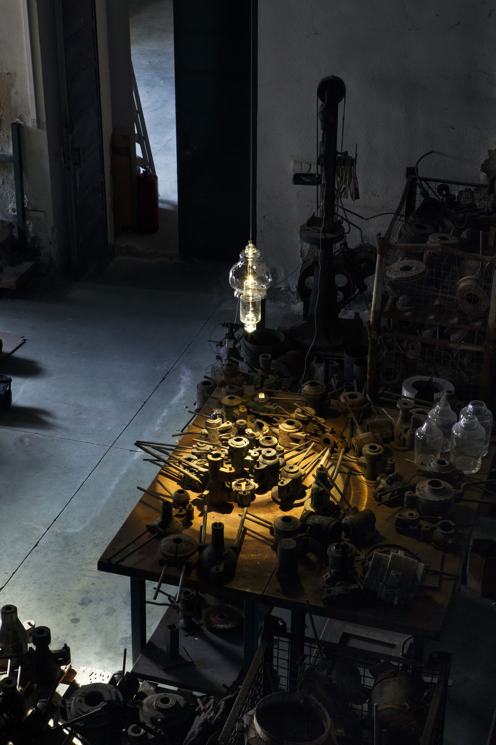 Rfc+ collection, 13 suspended blown glass lamps, by Mayice Estudio. Image courtesy de Mayice Estudio