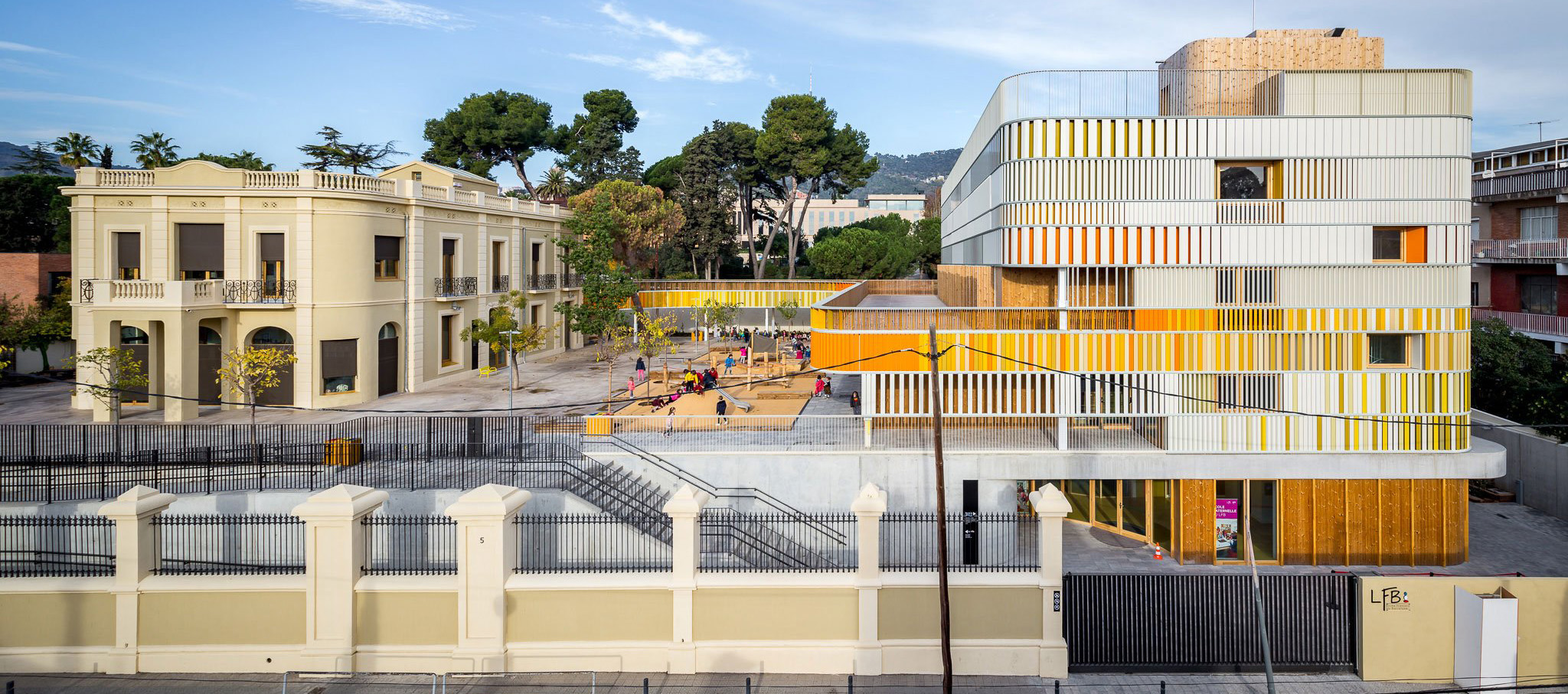 Lycée Français of Barcelona by b720 Fermín Vázquez Arquitectos. Photograph © Simón García
