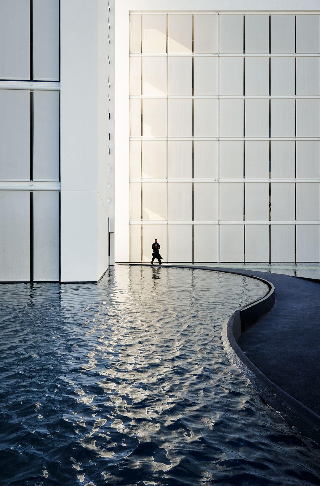 Mar adentro por miguel ngel aragon s metalocus for Hotel con piso de vidrio sobre el mar