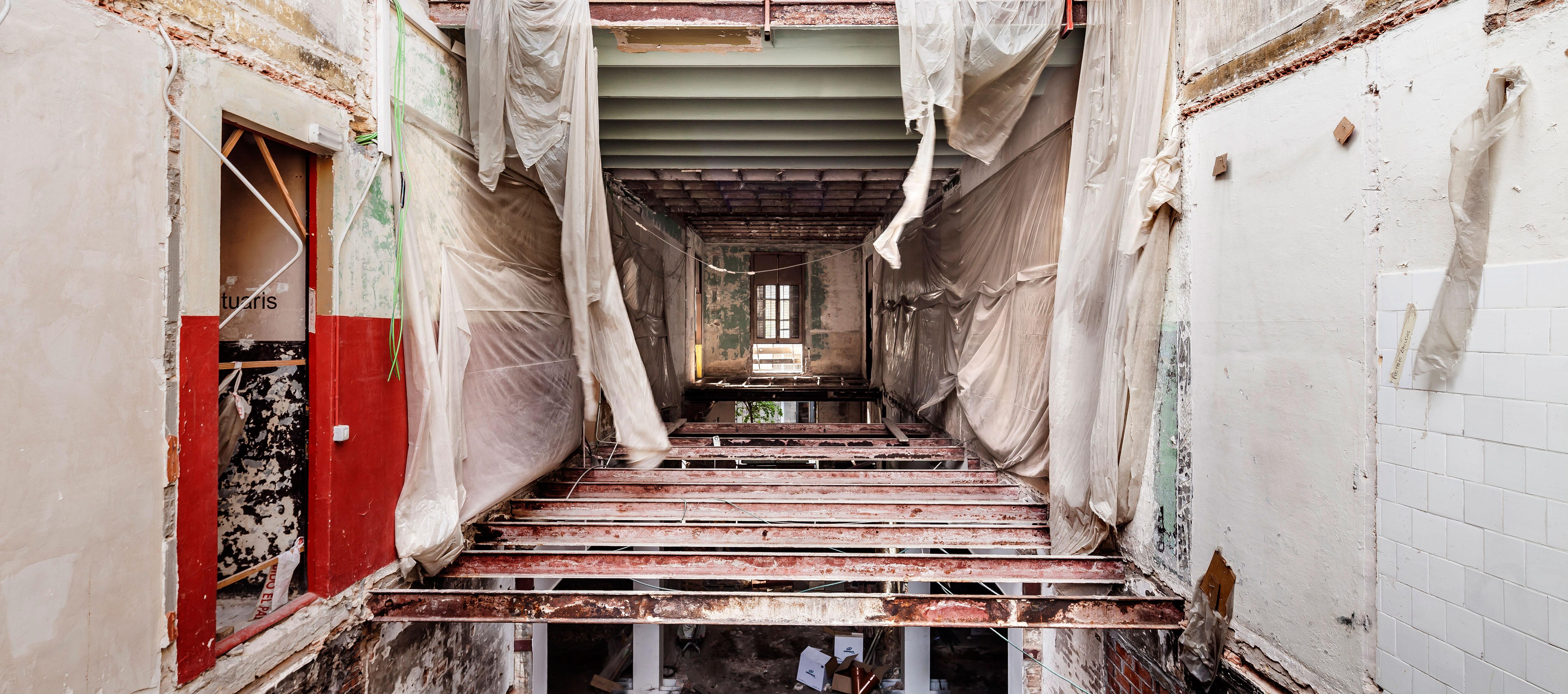 Re-edificatoria por Adrià Goula. Unfinished. Pabellón español de la Bienal de Venecia 2016. Imagen © Adrià Goula