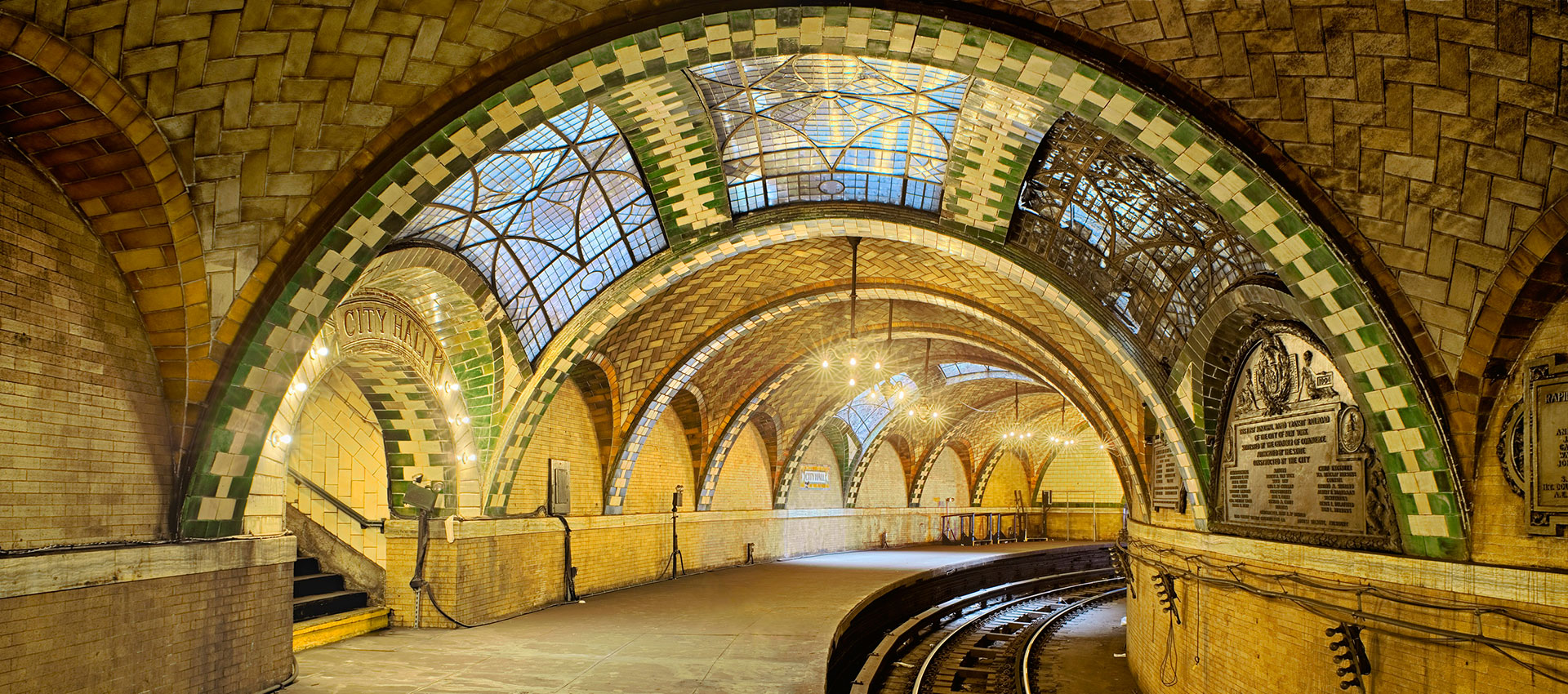 Guastavino tile vaults at City Hall Subway Station with polychrome glaze, New York City, architects Heins and LaFarge (1904). Photography © Michael Freeman
