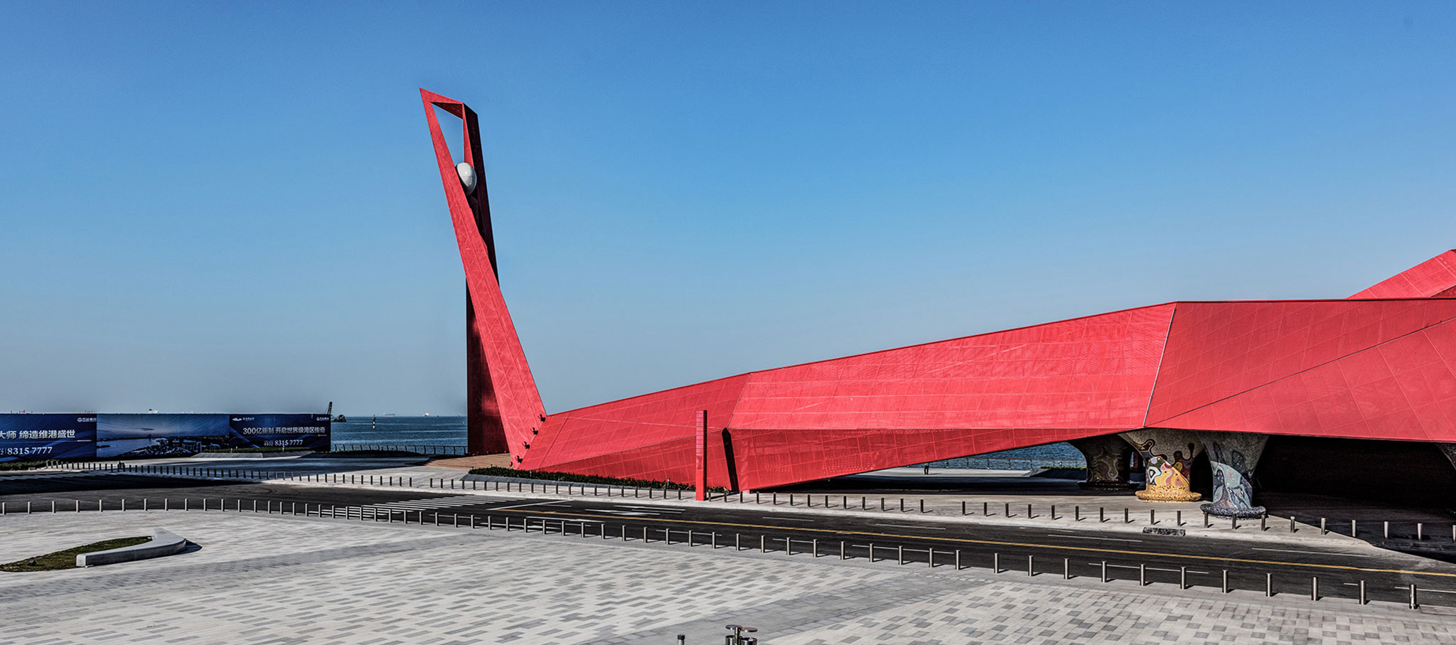 Exterior view. Qingdao Wanda Victoria Bay Xifeng Bridge by PT Architecture Design. Photograph © PT Landscape